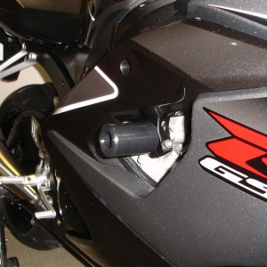 SUZUKI-gsxr1000-05-06-NO-CUT-Frame-Sliders-Black-2