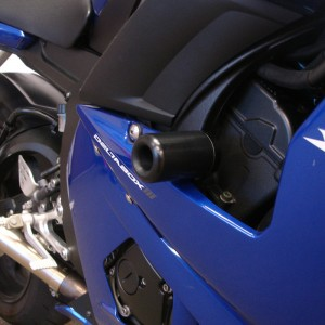 yamaha-yzf-r6-03-05-no-cut-frame-sliders-black-2